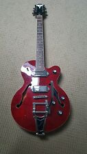Epiphone Wildkat Semi-hollow electric guitar wine red with bigsby