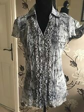 PER UNA LADIES GREY & BLACK LACE EFFECT BLOUSE WITH RUFFLE FRONT PANEL SIZE 14