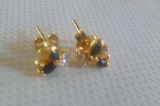 Boucles d'oreilles clous en plaqué or 18 k poinçonné, saphirs et zirconiums
