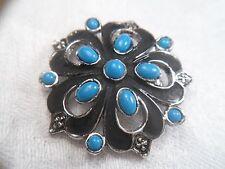 80er Jahre Brosche silberfarben Metall Blume Cabochon Glas blau türkisblau Ø 4cm