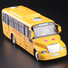 1:32 Diecast American Classical School Bus Model Toy Car With sound and lights