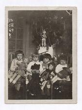 PHOTO ANCIENNE Snapshot Enfant Fille Jeu Jouet Poupée Fête Noël 1929 Curiosité