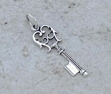 CUTE .925 STERLING SILVER FILIGREE KEY PENDANT CHARM  style# p0906