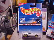 Hot Wheels #560 Street Beast Series Corvette Stingray w/ Yellow Saw Blade Wheels