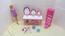 BARBIE SISTERS BEAUTY FUN BATHROOM PLAYSET TRIPLE SINK LOTS OF ACCESSORIES