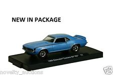 M88 11228 32 M2 MACHINE AUTO DRIVERS 1969 CHEVROLET CAMARO SS RS BLUE  1:64