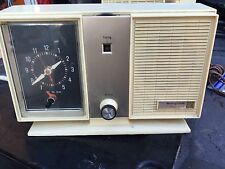 Vintage Westinghouse Solid State Clock Radio Mid-Century RLA3160A Bisque 1950s