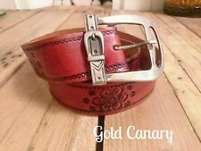 "Vintage 70s Chestnut Tooled Leather Belt Boho Hippy Folk Fest S M 6 8 10 26""-33"""