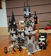 LEGO Monster Fighters Vampire Castle Vampyre Hearst Lot & Minifigures 9468 9464