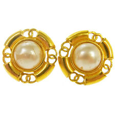 "Authentic CHANEL Vintage CC Logos Imitation Pearl Earrings 1.2 "" V13893"