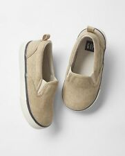 GAP Baby / Toddler Boys NWT Size 8 Tan / Beige Slip-On Canvas Sneakers Shoes