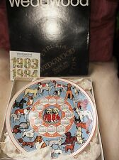 SUPERB COLLECTOR CALENDAR PLATE WEDGWOOD 1984 DOGS BREEDS NEW IN ORIGINAL BOX