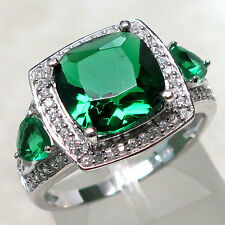 CHARMING 4 CT EMERALD 925 STERLING SILVER RING SIZE 9