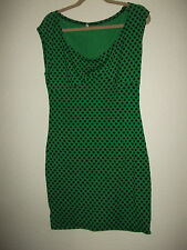 LADIES FITTED LONG LENGTH GREEN AND BLACK POLKA DOT TOP SIZE XL