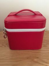 ELIZABETH ARDEN leather Look makeup/vanity/cosmetic/toiletry bag in red