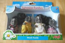 BNIB SYLVANIAN FAMILIES BOUQUET SKUNK FAMILY,V RARE (SMALL CREASE ON BOX BOTTOM)
