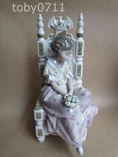 LLADRO TIRED VALENCIAN GIRL FIGURE BY SALVADOR DEBON - RETIRED (Ref1422)