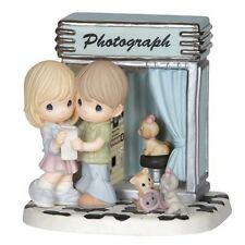 ☆ New PRECIOUS MOMENTS Figurine COUPLE PHOTOGRAPH Picture Love PORCELAIN Ltd Ed