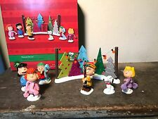 Department 56 Peanuts Tree Lot Charlie Brown Snoopy Christmas figurines 7 Pieces