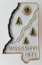 BOU489 - INSIGNE BOUTONNIERE - PIN'S - LIONS CLUB - MISSISSIPPI 1971