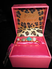 BETSEY JOHNSON 3 FINGER RING CENTER SIZE 9 PINK AND BLUE ROSES AND PEARL