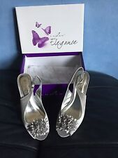 LADIES SILVER GREY SHOES - SIZE 5 -