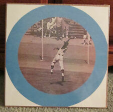 VINTAGE 1960's ROBERTO CLEMENTE BOOKLET PHOTO SHRINK WRAPPED 5 RARE