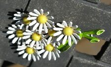 AWESOME WEISS ENAMELED WHITE DAISY PIN/BROOCH - PERFECT FOR SPRING -