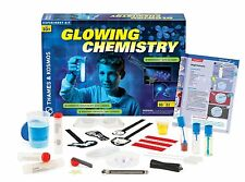 Thames and Kosmos 644895 Glowing Chemistry Experiment Kit