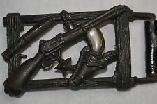 VINTAGE CAST METAL COWBOY WESTERN BELT BUCKLE! RIFLE/PEARL HANDLE REVOLVER/KNIFE