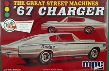 MPC 1967 Charger Retro Deluxe 1/25 Scale Plastic Model Kit MPC829