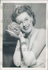 1949 Beautiful Woman Marjorie Woodworth With a Chinchilla Press Photo