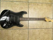 Guitar 2005 Fender Stratocaster DeLuxe Edition Mexico MIM Black