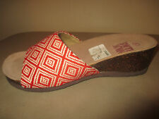 MUK LUKS Slip On Wedges Red/White Pattern  SANDALS Women's 8M  NEW!!