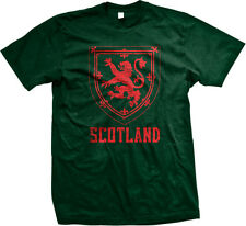 Red Scotland Distressed Country Crest - Scottish Scots Mens T-shirt