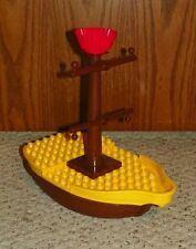 LEGO - Duplo Boat 10x16 w/ Mast, Crossmembers & Red Crows Nest - Yellow & Brown