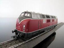 Aus Märklin 29720 schwere DB-Diesellok BR 221 / V200.1, mfx  + Sound, neu
