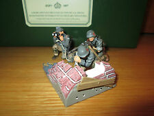 38FP KING & COUNTRY WSS10 WSS010 WAFFEN SS MG 42 GUN GROUP MIB