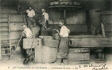France Touraine Tours - L'enlevement du marc Vine Makers old postcard