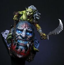 Scale Models 1/10 Monster Siege Resin Bust Model Unpainted Free Shipping
