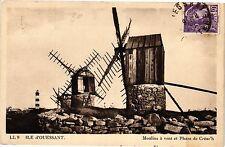 CPA Ile d'Ouessant-Moulins á vent et Phare de Créac'h (188609)