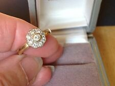BEAUTIFUL VINTAGE DIAMONDS DAISY RING  9ct GOLD RING ENGAGEMENT DRESS