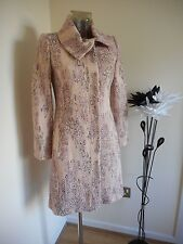 bnwt Ladies GHARANI STROK Patterned COAT. Peach Tones. Size 8