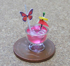 1:12 Scale Strawberry  Bourbon Sour Cocktail Dolls House Miniature Pub Drink CT7