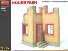 Miniart 1:35 House Ruin Building Model Kit