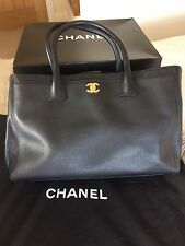 CHANEL CERF HANDBAG IN STUNNING CAVIAR LEATHER .FINAL REDUCTION!!!!!!!!!!!