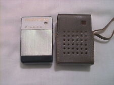 1960S MELODIC AM 6 TRANSISTOR RADIO NEAR MINT WORKS PERFECTLY WITH CASE RETRO