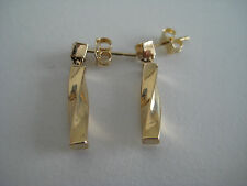 9ct yellow gold 25mm curved block dropper earrings
