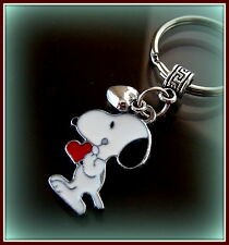SNOOPY w/ Heart KEYCHAIN (Peanuts) Jewelry - Charlie Brown's SNOOPY the Dog