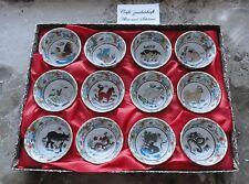 12 Schalen Becher Reiswein chinesisches Horoskop Tierkreiszeichen Porzellan rar